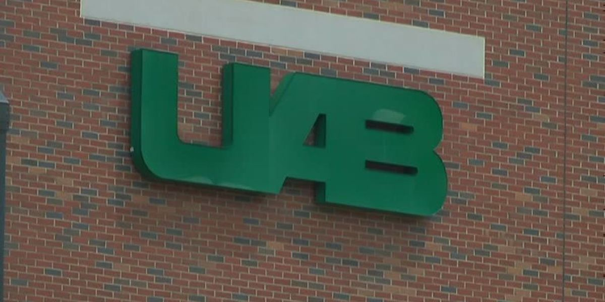 UAB faculty helping students save money