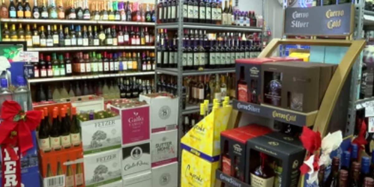 Gov. Ivey signs alcohol delivery bill