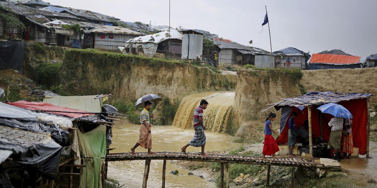UN rights chief urges halt to Rohingya repatriation plan
