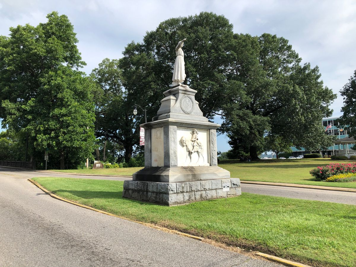 Relatives of Emma Sansom from Gadsden write letter calling for removal of statue