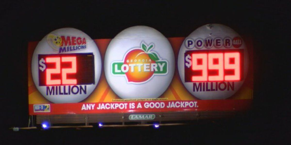 Alabama ready for the Powerball drawing plus Tuscaloosa residents worried about violence