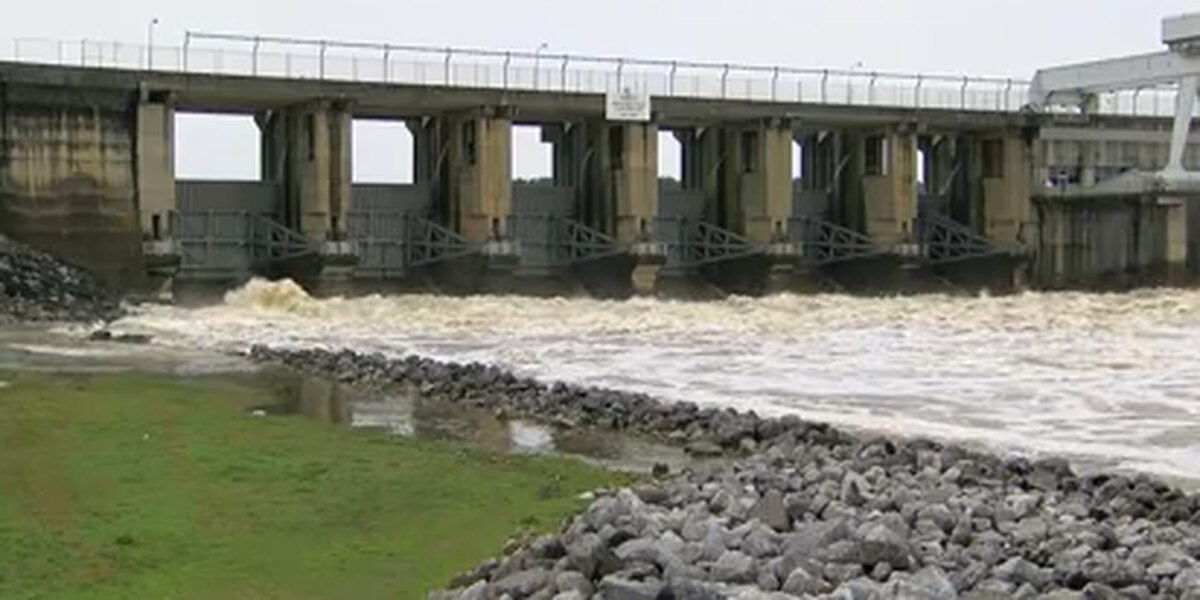 Lake levels inching down after days of rain in East Alabama