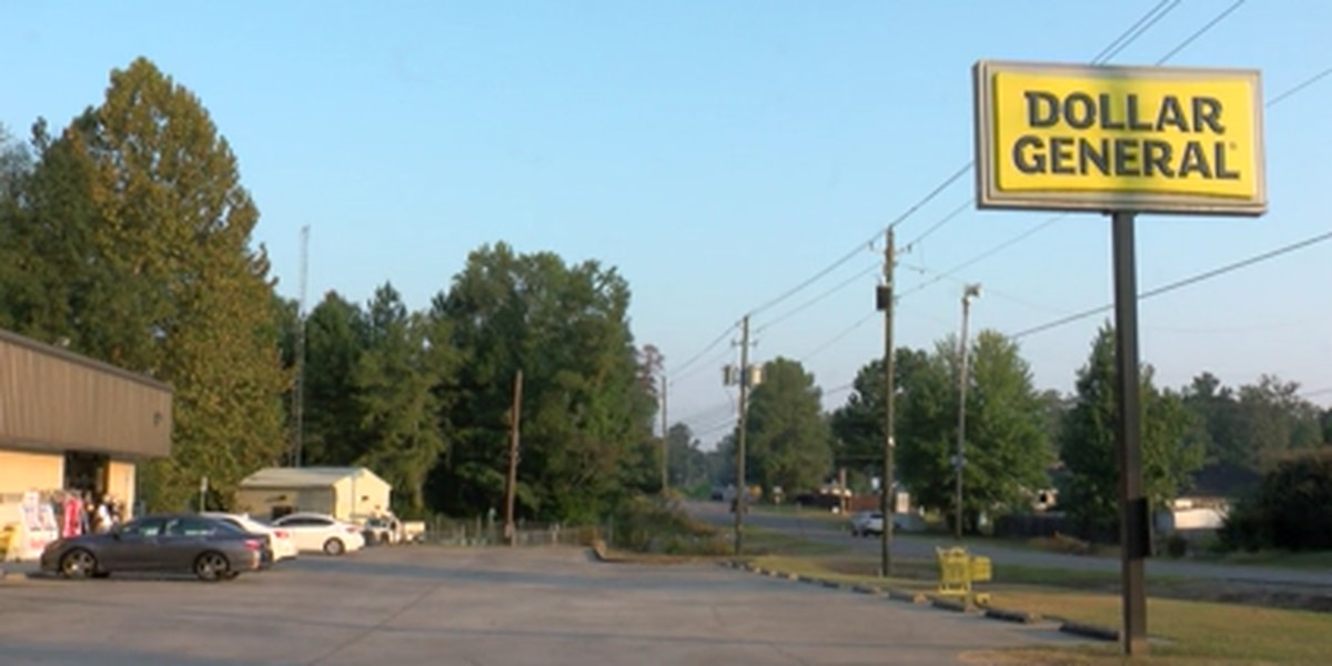 Tuscaloosa police investigating armed robbery in Dollar General parking lot