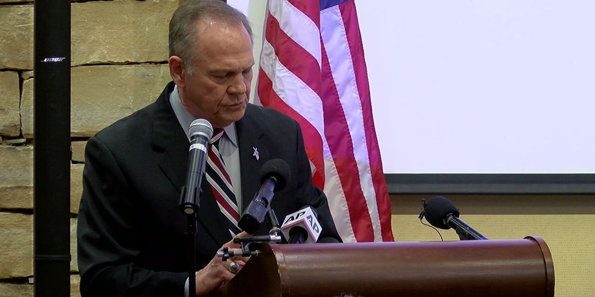 Roy Moore calls sexual misconduct allegations 'absolutely unbelievable'