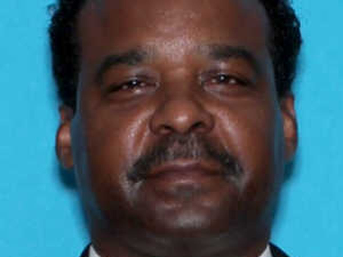 Anniston funeral home director arrested