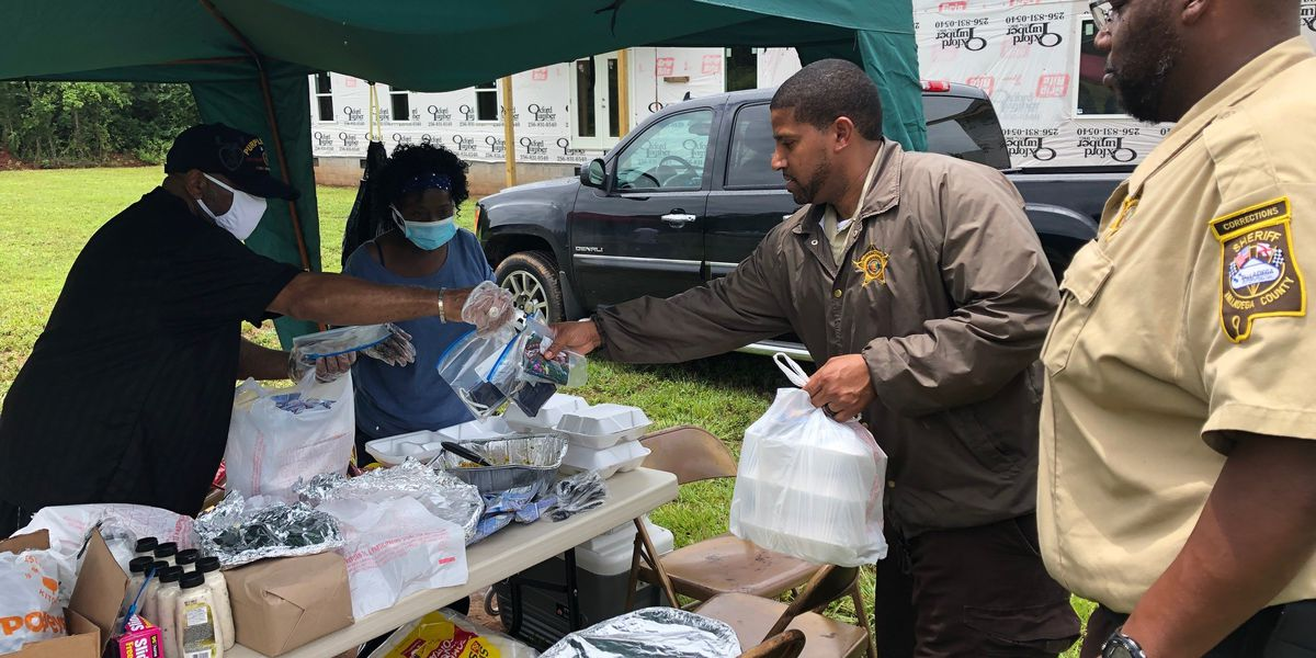 Talladega church serves lunch to essential personnel as a thank you