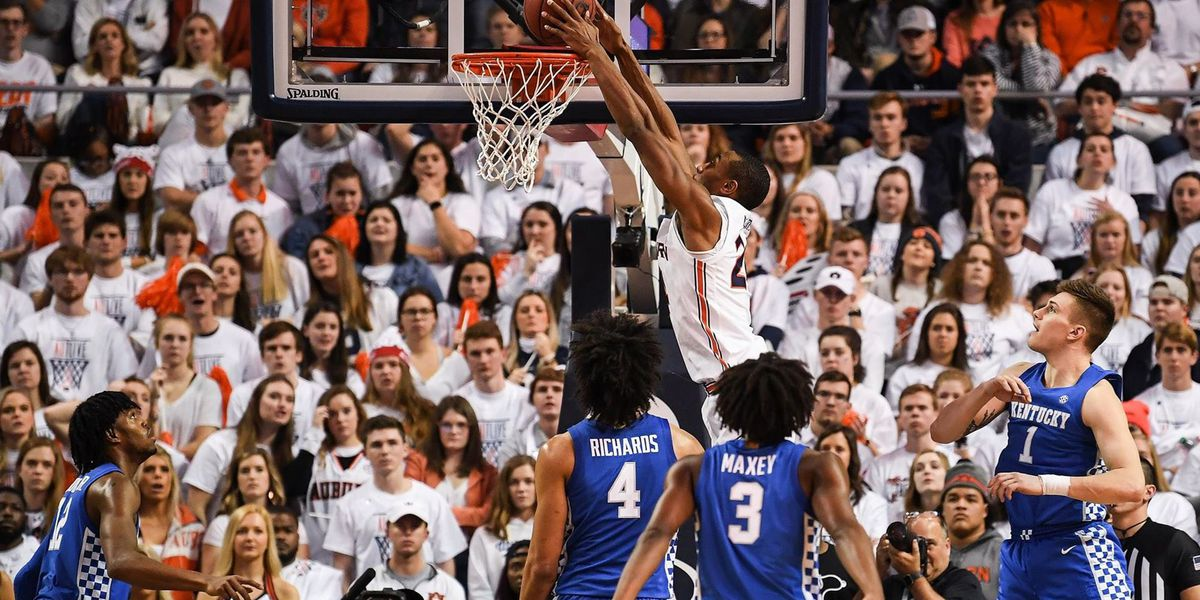 No. 17 Auburn pulls away from No. 13 Kentucky