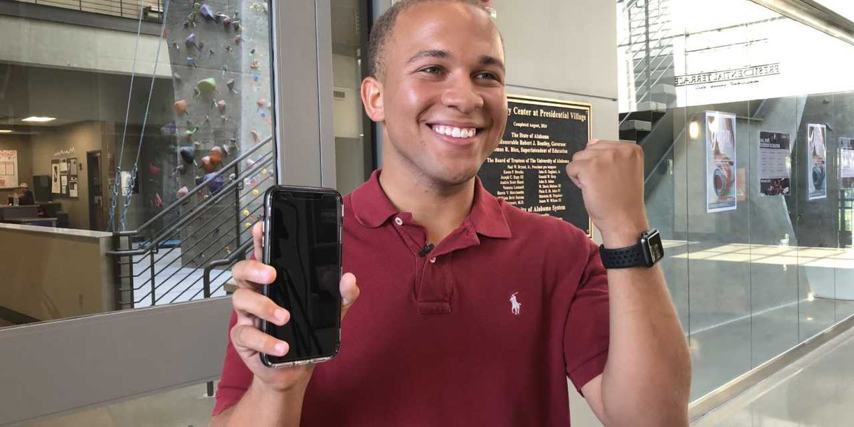 University of Alabama Action Cards now available on some Apple products