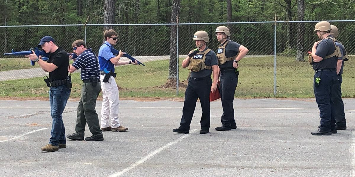 Gadsden fire, police train together on active shooter drill