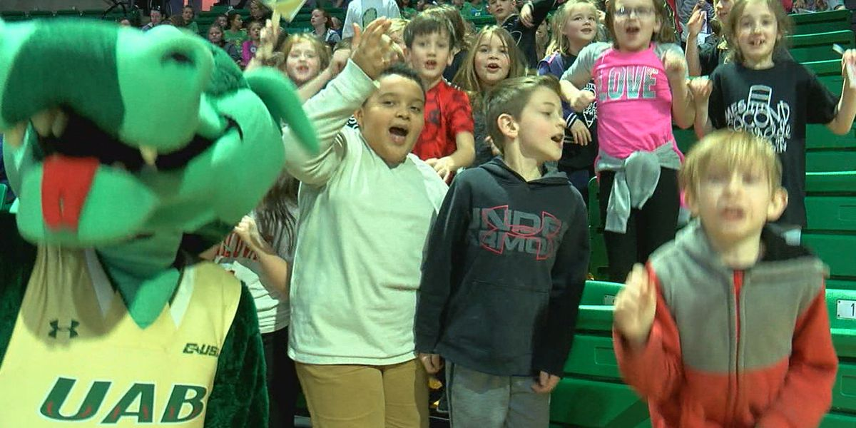 "1,500 elementary school students cheer on UAB Women's Basketball as the Blazers celebrate ""Education Day"""