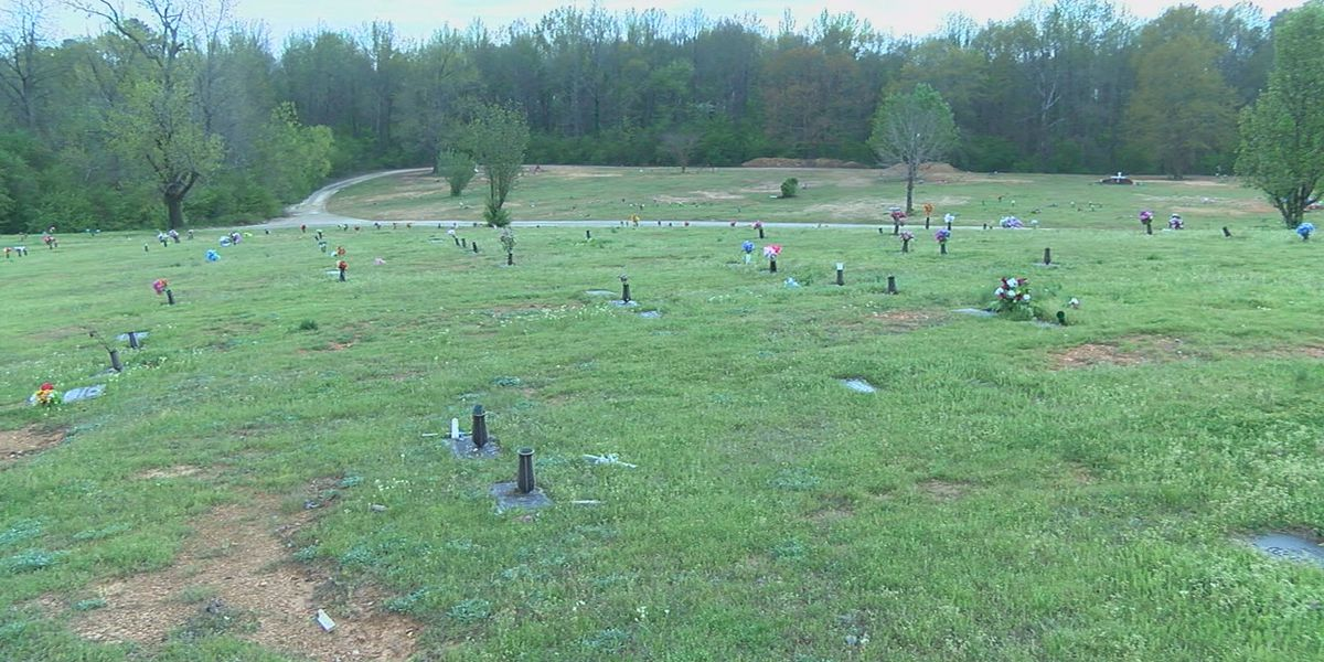 Cemetery in Dolomite closes temporarily due to financial issues
