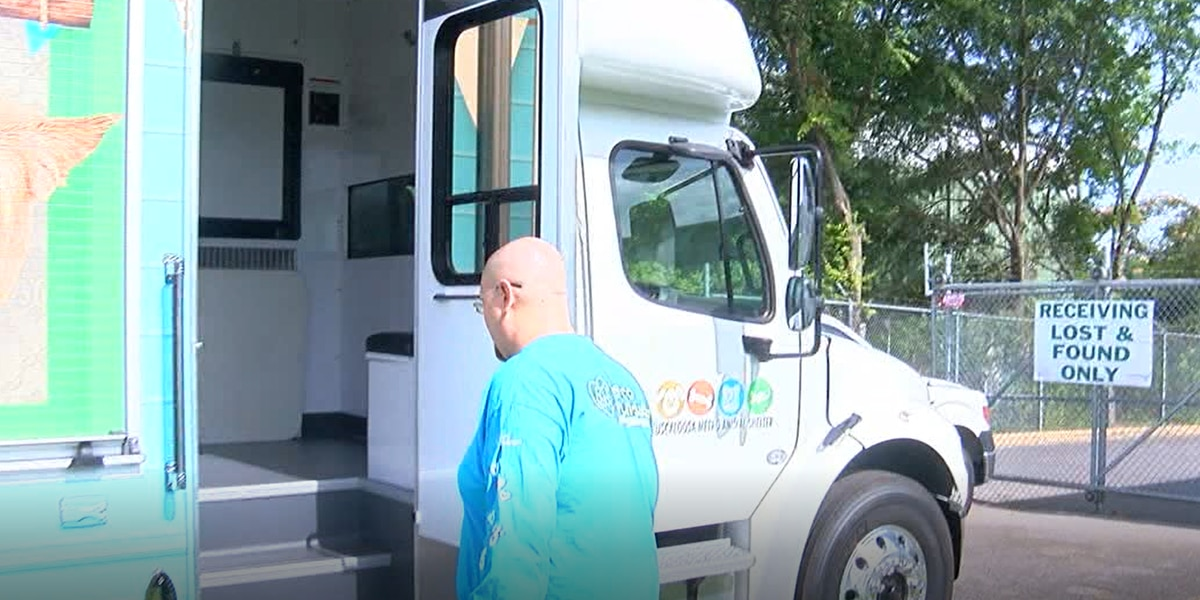 New pet adoption mobile hits the streets in Tuscaloosa