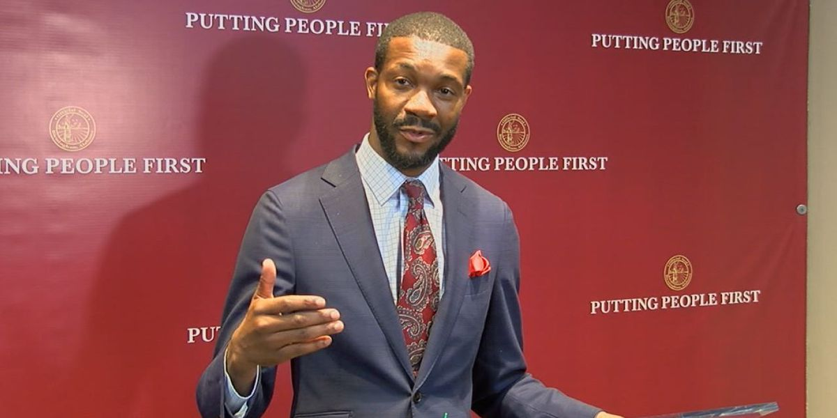 More details about Mayor Woodfin's college assistance program