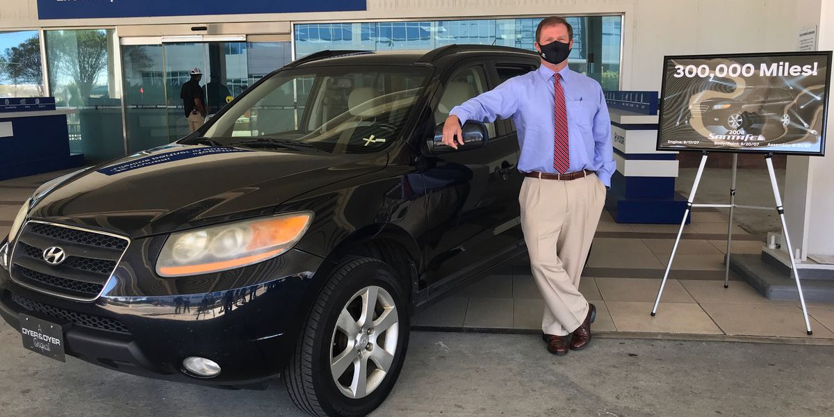 Hyundai invites owner of '08 Santa Fe with 300K miles to plant for '21 kickoff