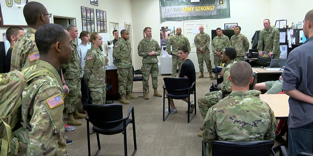 Soldiers teaching the next generation of fighters in Hoover