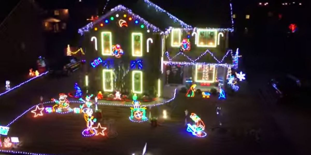 drone video shows christmas lights all around alabama - Christmas Lights Shows