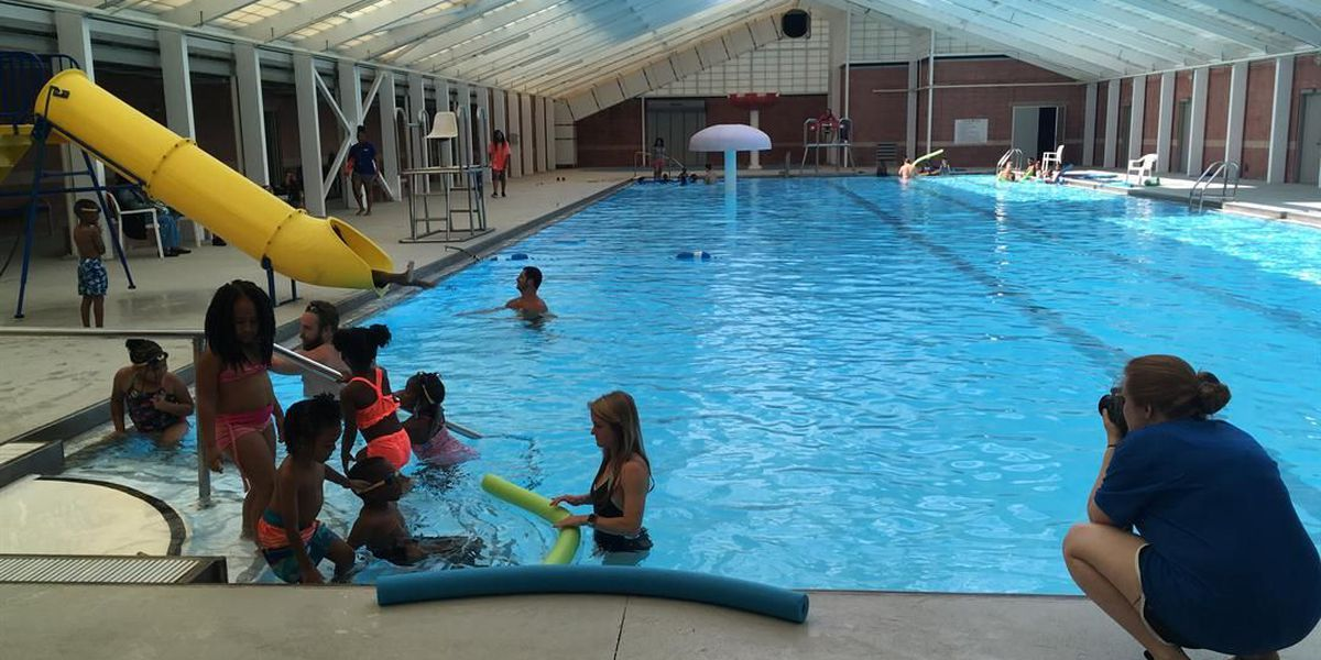 Tuscaloosa kids learning to swim through Swim To the Top program