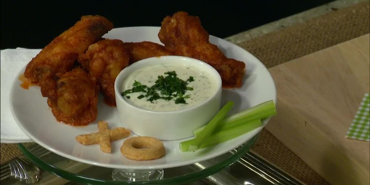 Buttermilk Lipstick: Chipotle Chili Buffalo Wings With Garlic-Lime Ranch