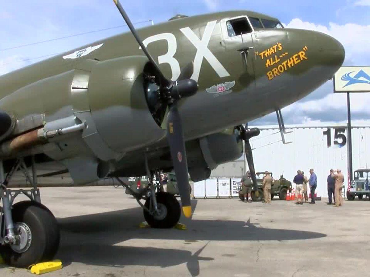 World War II vet takes flight in Birmingham on vintage airplane