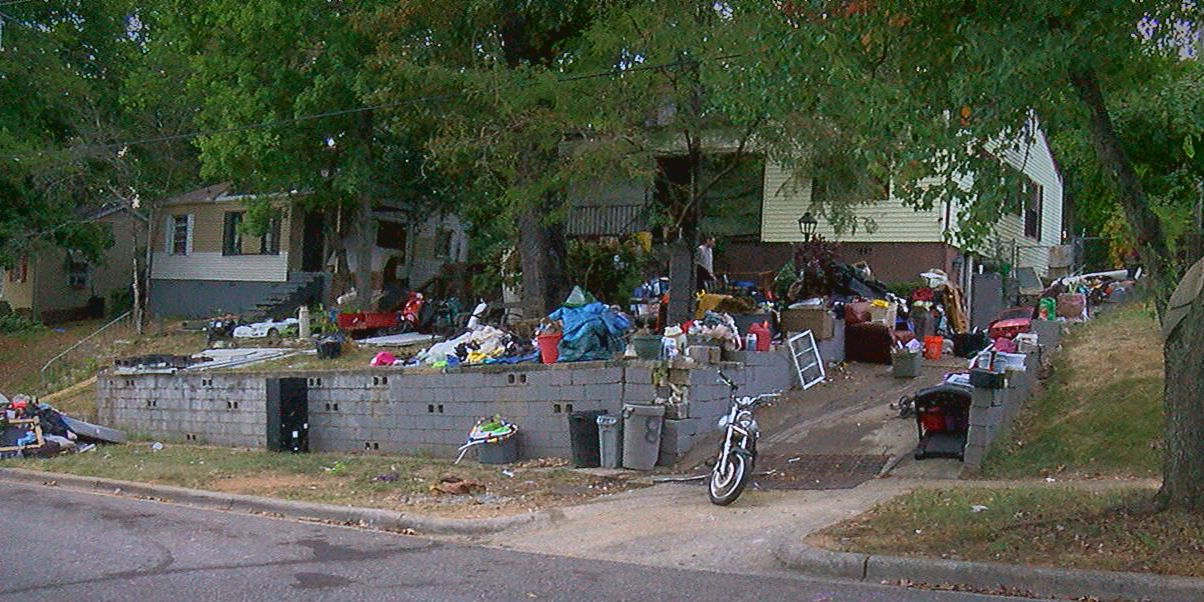 South Eastlake residents complain about illegal dumping