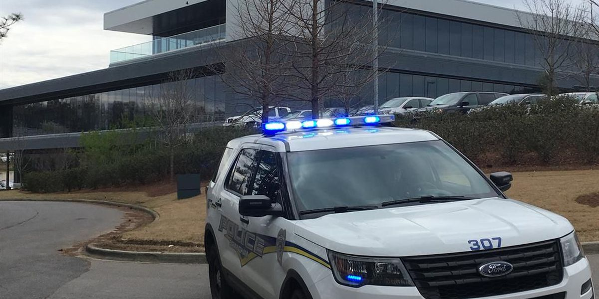 No threat found after suspicious package investigated on Colonnade Parkway