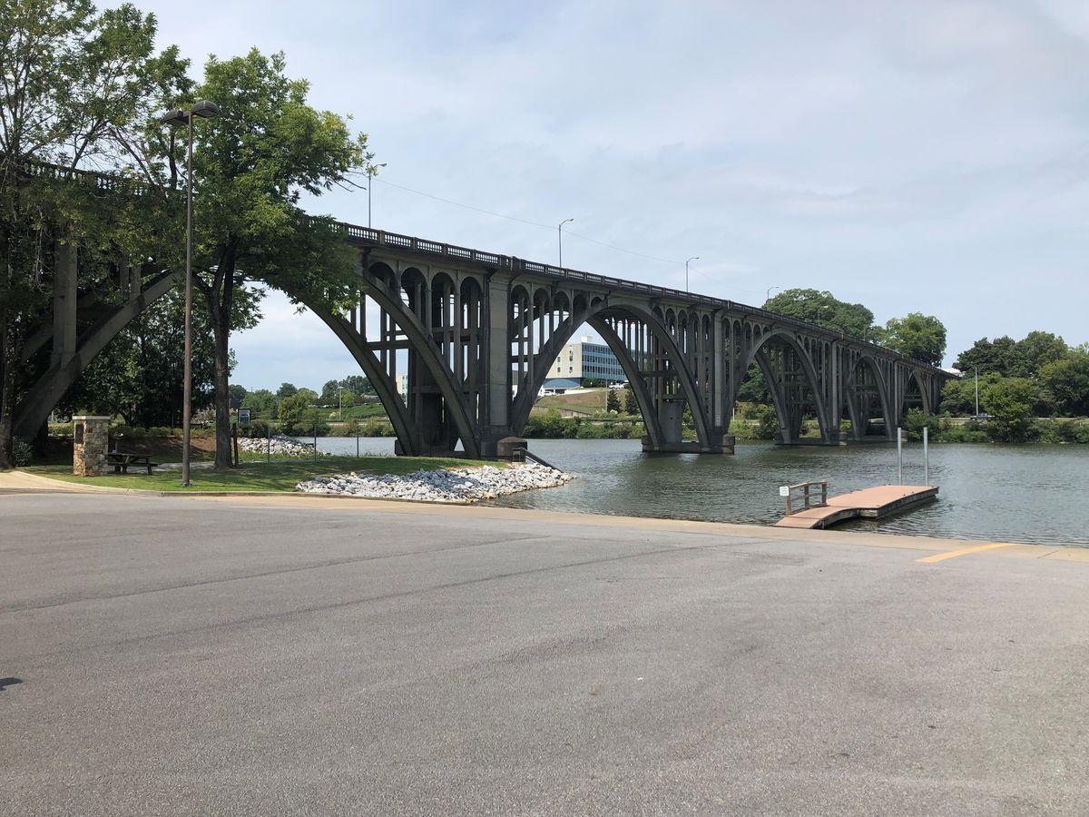 Bridgehunter.com | Coosa River Memorial Bridge