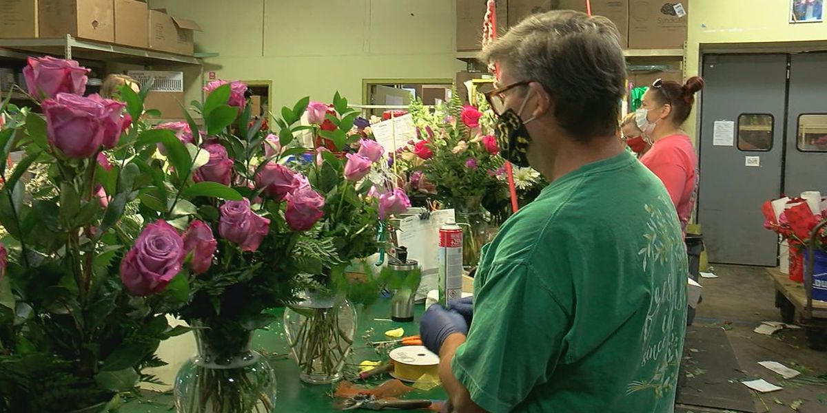 Florists swamped with Mother's Day orders due to COVID-19