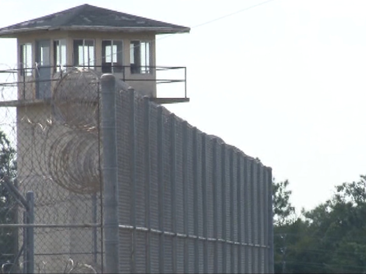 Underwriters back out of Alabama prison construction project