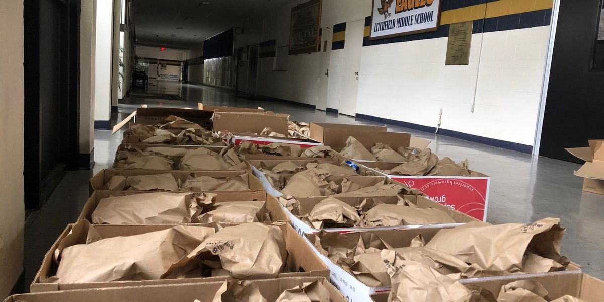 Gadsden City Schools begin handing out lunches to children homebound due to COVID-19