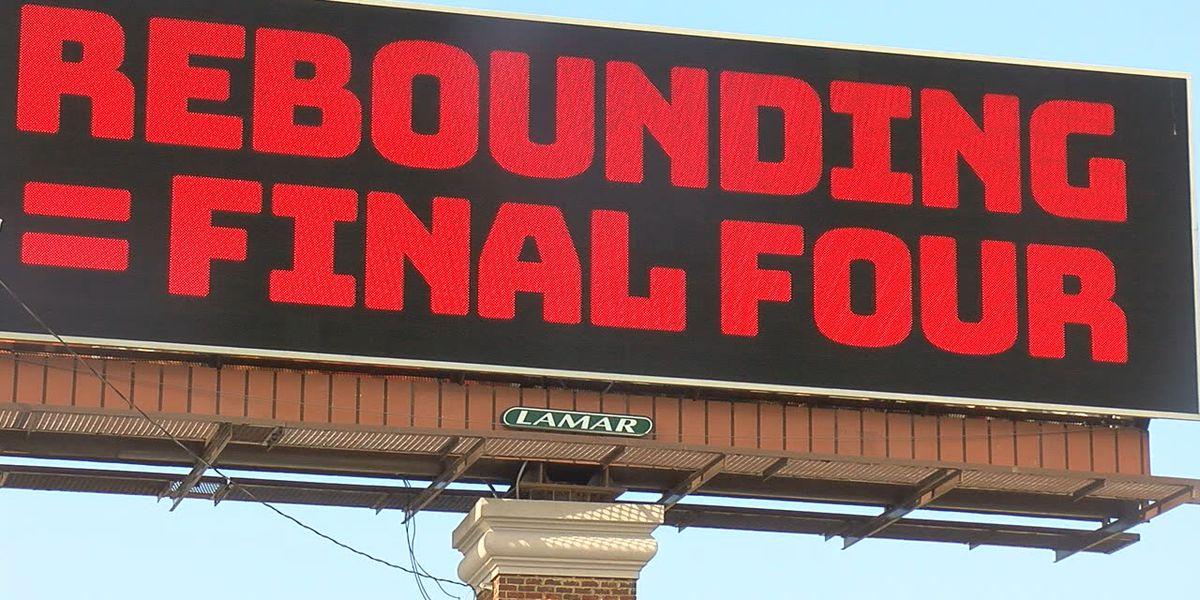 Alabama fan buys 'rebound' billboard to motivate Tide basketball team