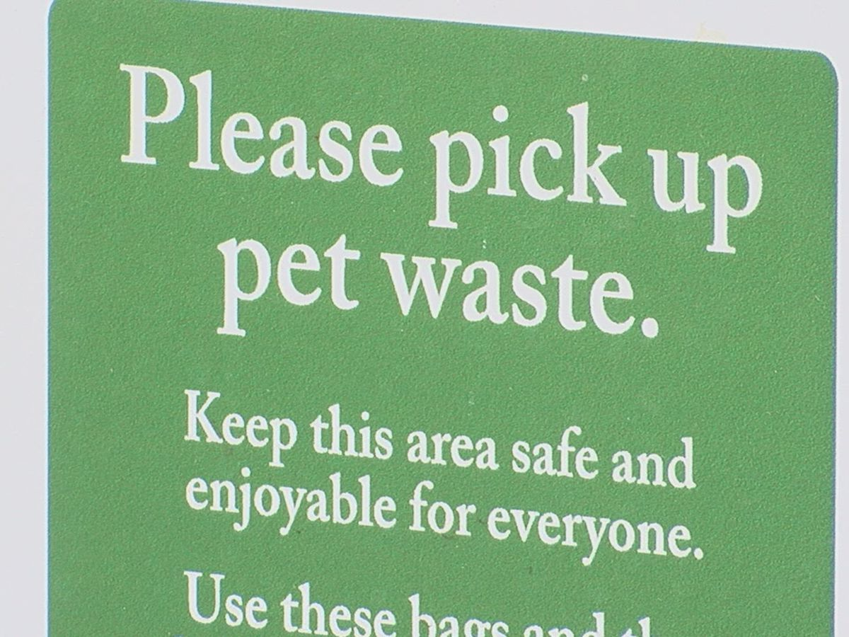 Mountain Brook officials urging residents to pick up after pets in city parks
