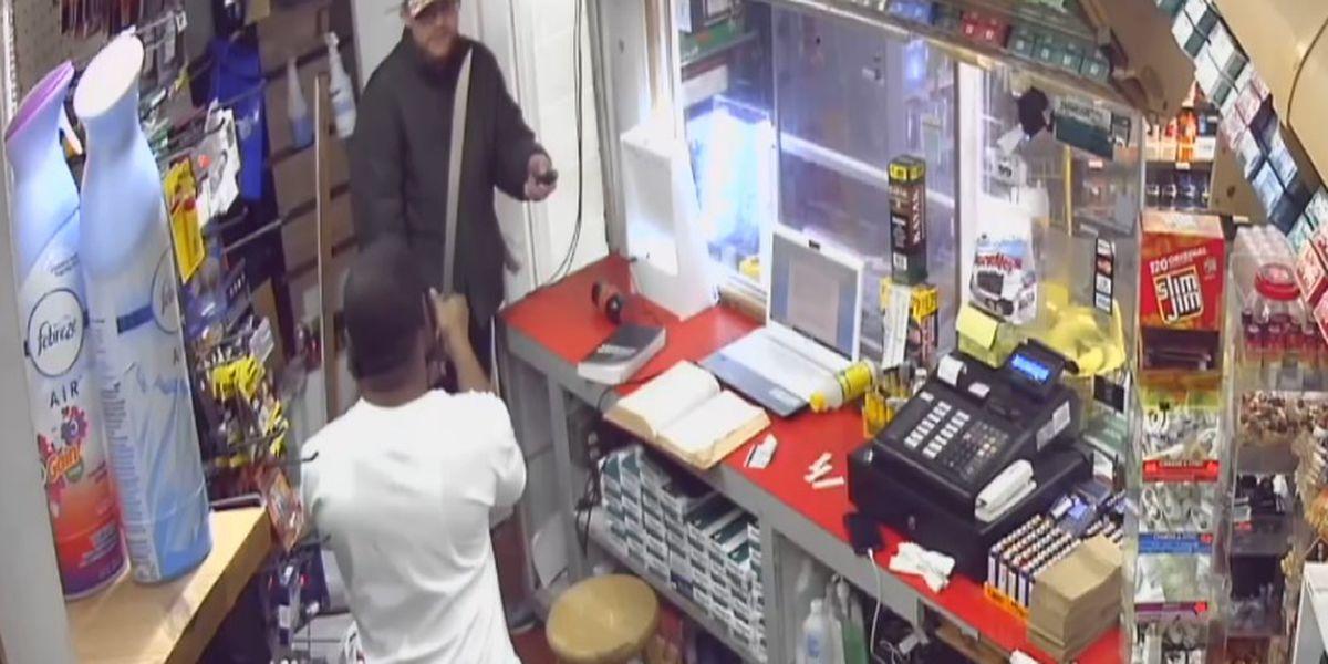 Machete-wielding clerk fends off knife-wielding suspect at AL gas station