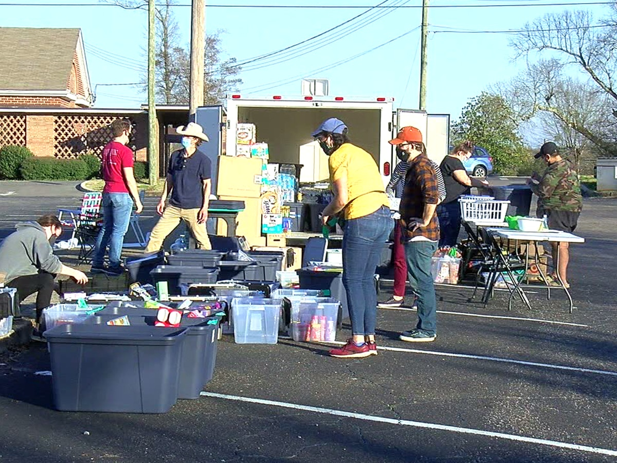 Tuscaloosa residents donate items for victims of Texas snow storm