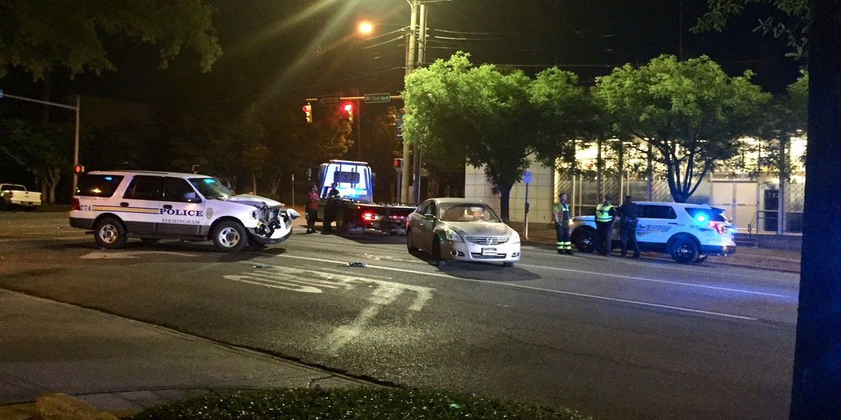 No injuries in officer-involved wreck in downtown Birmingham