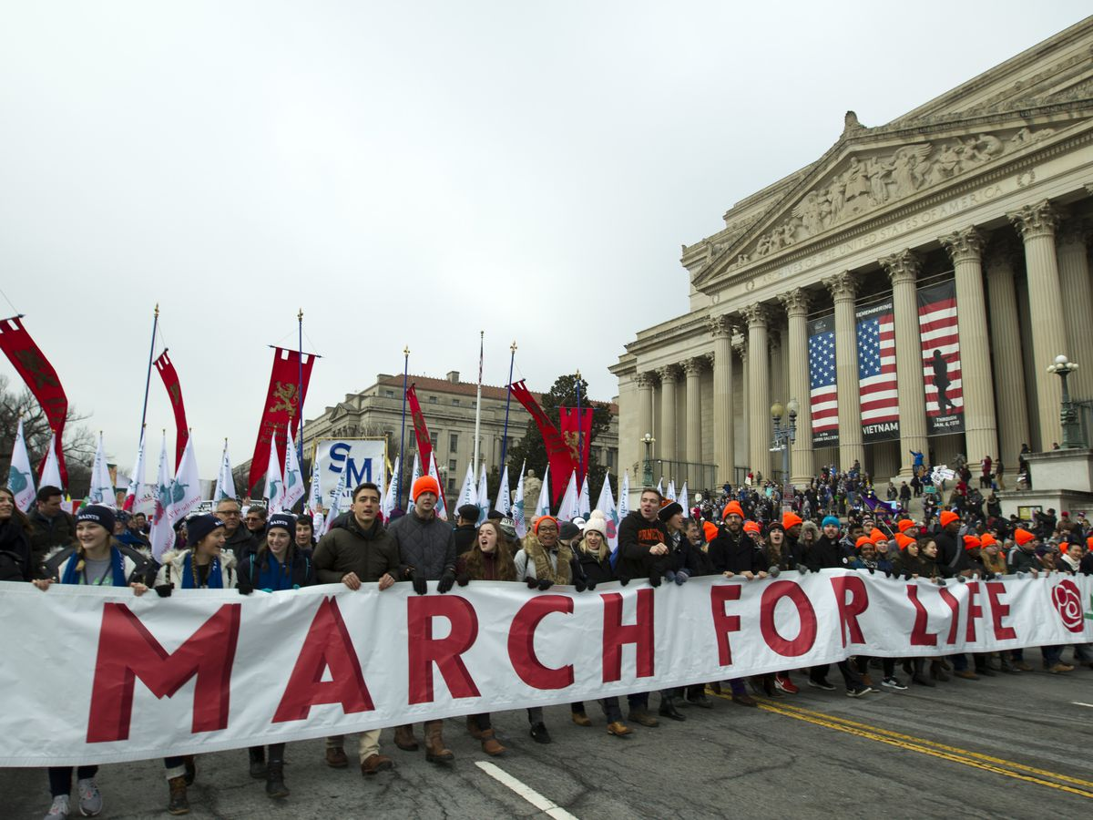 Trump promises March for Life crowd that he stands with them