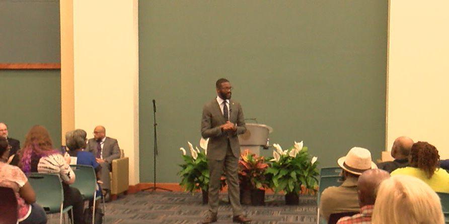 B'ham mayor talks budget proposal at town hall meeting