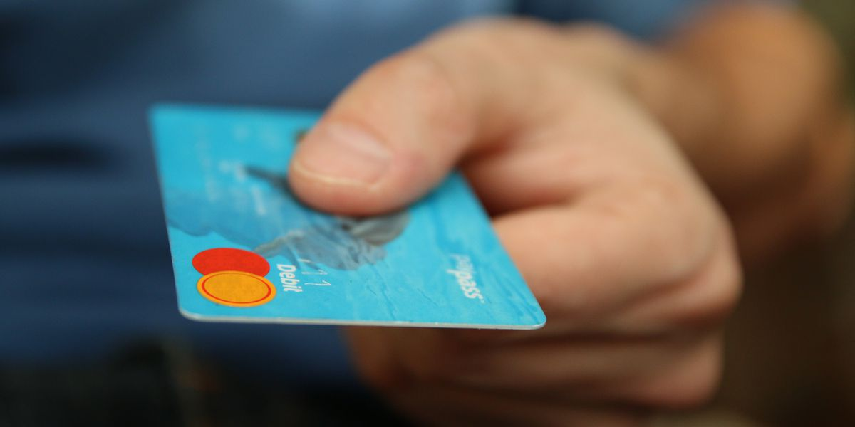 Finance experts advise consumers to freeze credit