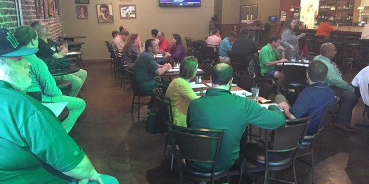 UAB fans gather at Iron City to watch Blazers in NCAA Tourney