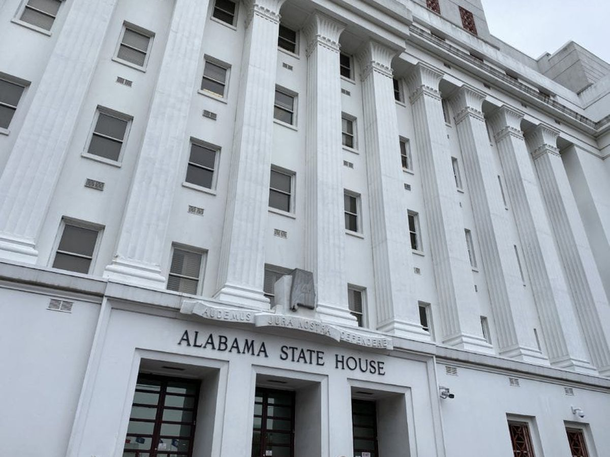 Virus cases among lawmakers stir State House concerns