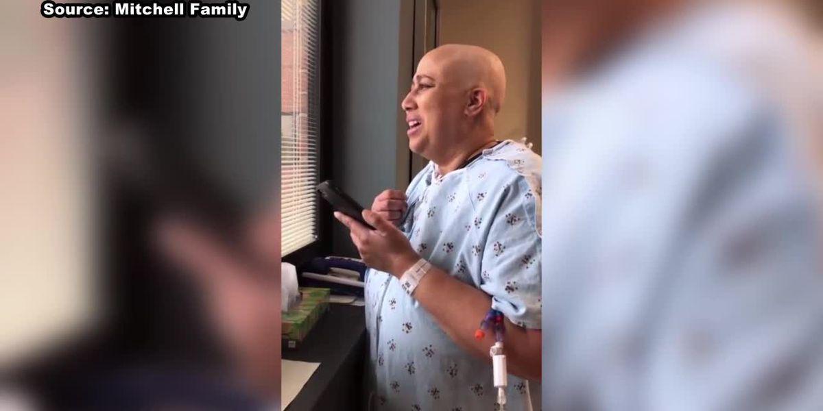 Friends' love inspires woman battling leukemia