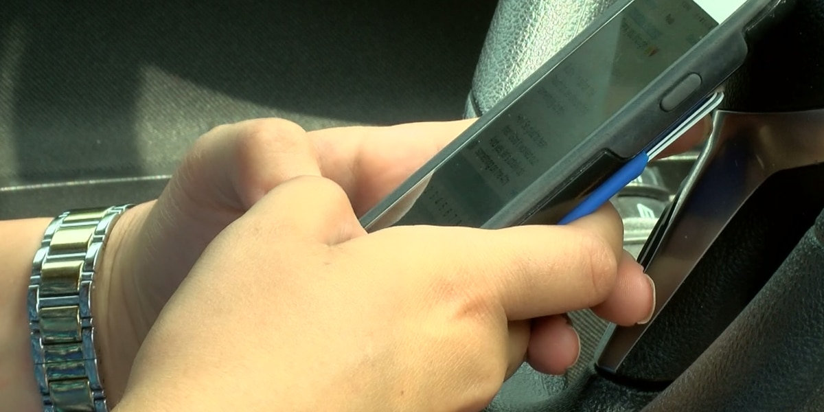 Teens learn about the dangers of distracted driving
