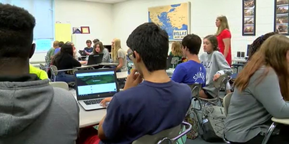 Oak Mountain HS benefiting from decreasing cell phone usage