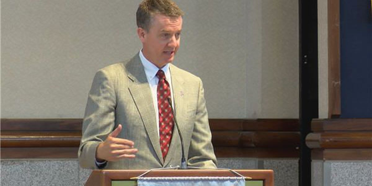 Alabama gives athletic director Greg Byrne raise, extension