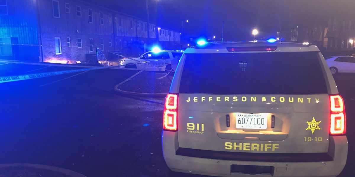 Deputies: Fight leads to shooting at Jefferson Co. apartments