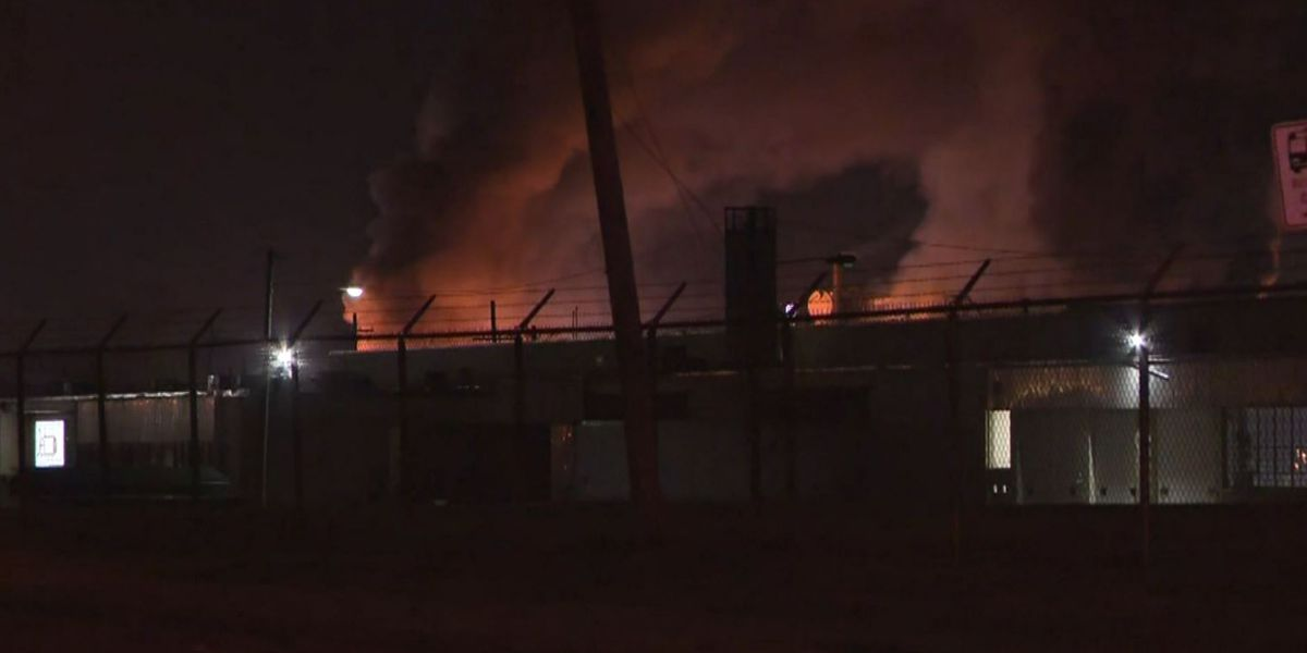 Authorities: 1 dead, 8 hurt in explosion at Ohio paint plant