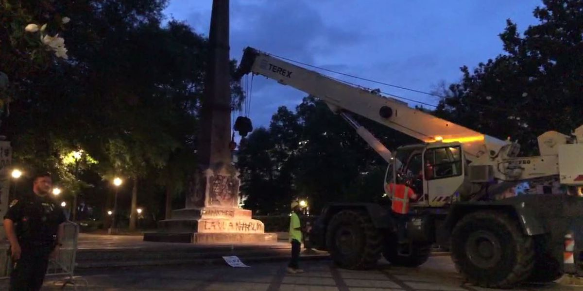 UPDATE: Crews fully remove Confederate monument in Birmingham's Linn Park, Mayor Woodfin receives death threats