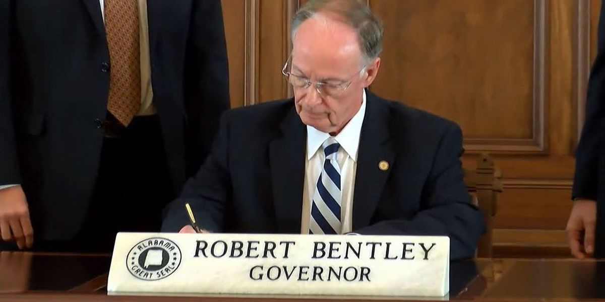 Lawmakers see little new political fallout from Bentley lawsuit