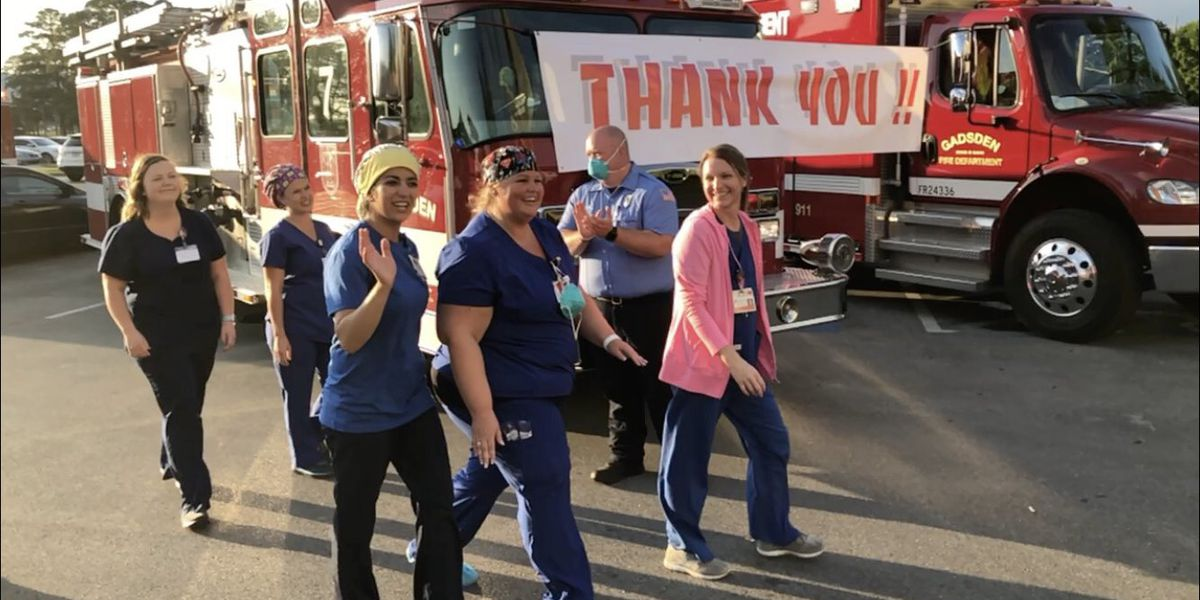 Gadsden first responders pay tribute to health care workers with applause