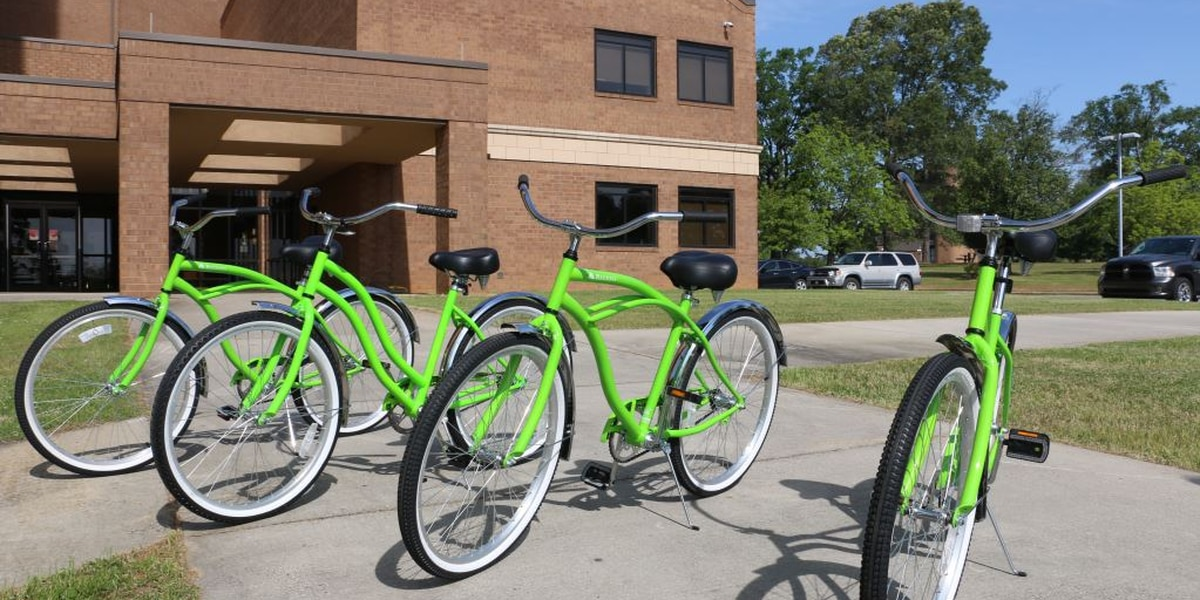 Regions Bank donates 4 bicycles for Wallace State Community College students
