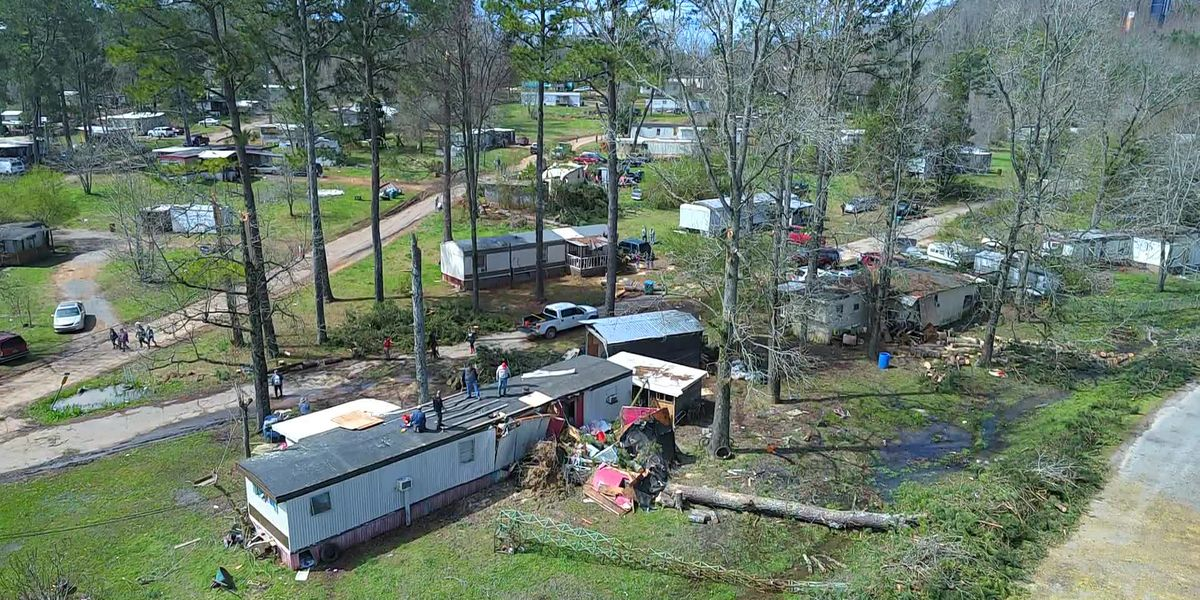 Blount Co. mobile home park residents begin cleaning up storm damage